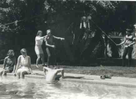 The pool at Vallarta y Atenas, with Connie Keyser (second from left) and Paul Nibecker (far right), 1968?